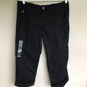 NWT Calvin Klein Jeans Black Capri Size 8